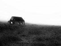 Islanda: nebbia e relitti